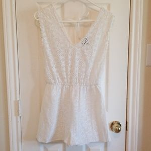 TopShop S 4-6 white lace v neck romper shorts